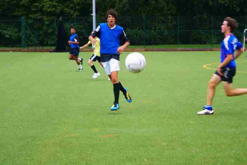 Футбол в Churchill House, Frensham Heights College