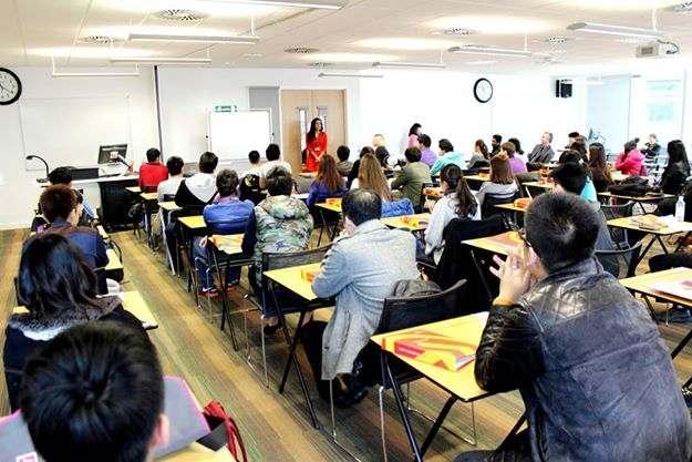 Урок в INTO, City, University London