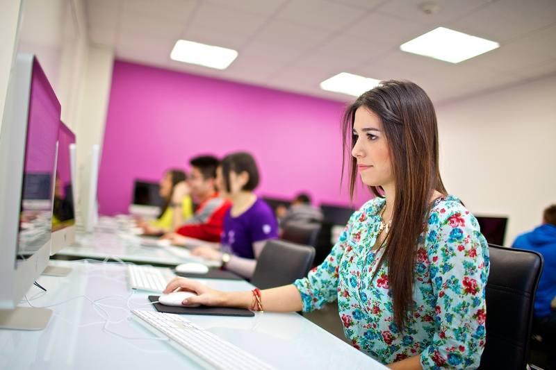 Компьютерный класс в Kings Colleges, Boston