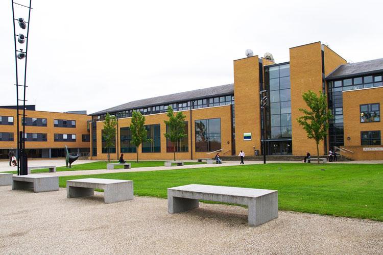 Кампус University of Surrey