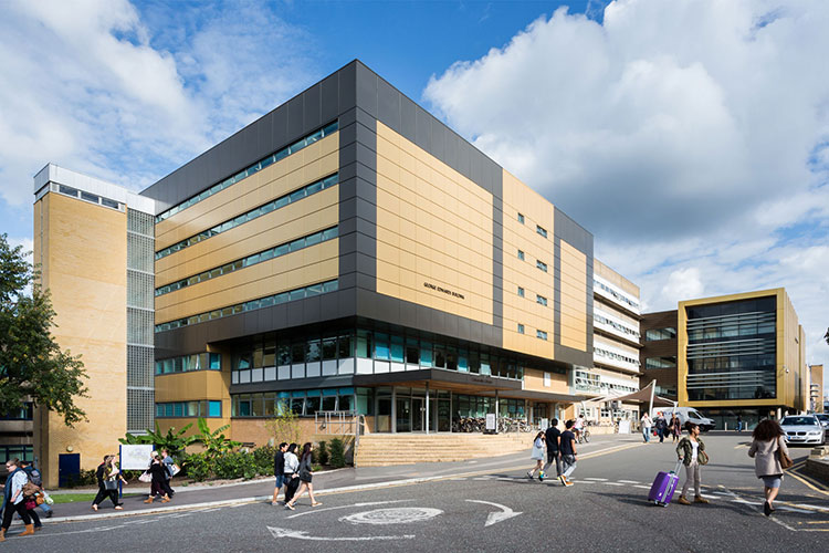 Корпус University of Surrey