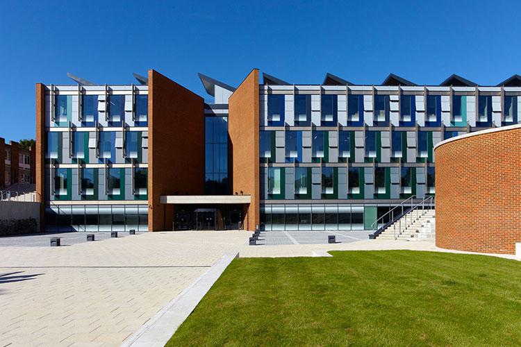 Корпус University of Sussex