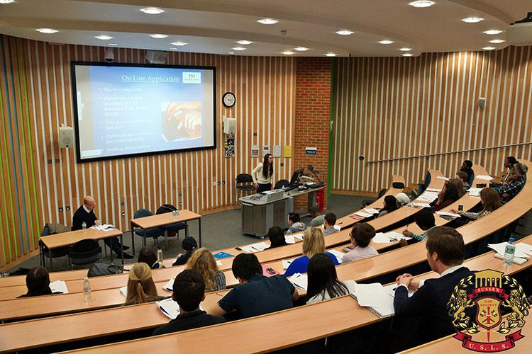Лекционная аудитория University of Sussex