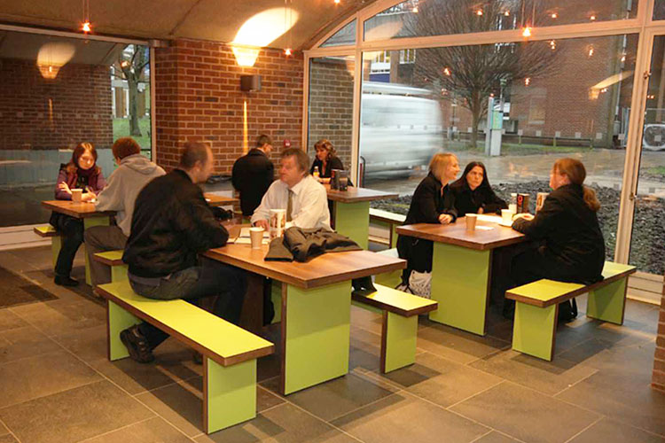 Кафе на территории University of Sussex