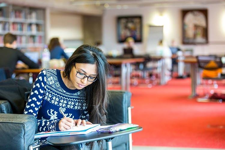 Зона самостоятельной работы University of Leicester ISC
