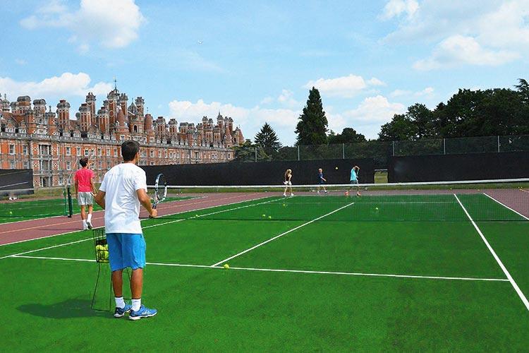Спортивное поле Royal Holloway