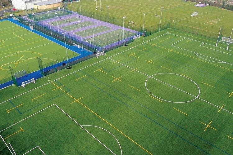 Спортивные площадки Royal Holloway