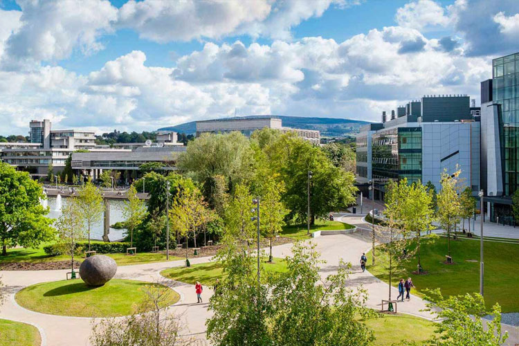 Вид сверху на кампус University College Dublin