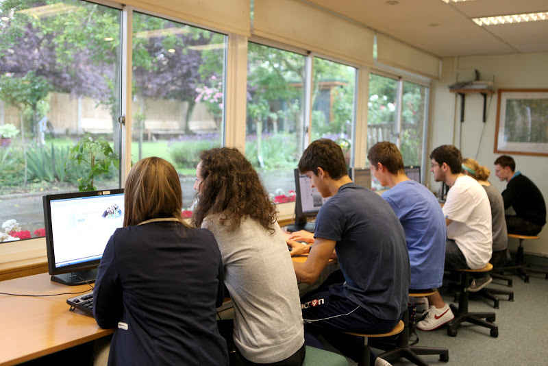 Компьютерный класс в школе Уимблдон