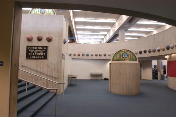 Библиотека на кампусе Fredonia