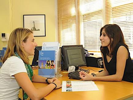 Помощь студентам от сотрудников Урок в Central School of English