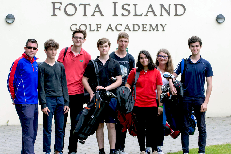 Студенты-гольфисты Cork English College