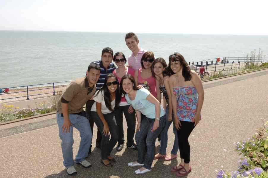 Студенты St Giles, Eastbourne