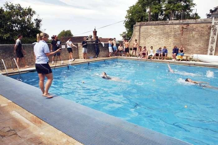 Открытый бассейн в кампусе Exsportise, Seaford College
