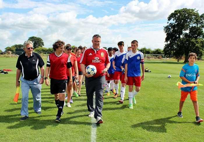 Футбольный матч в Exsportise, Clayesmore school