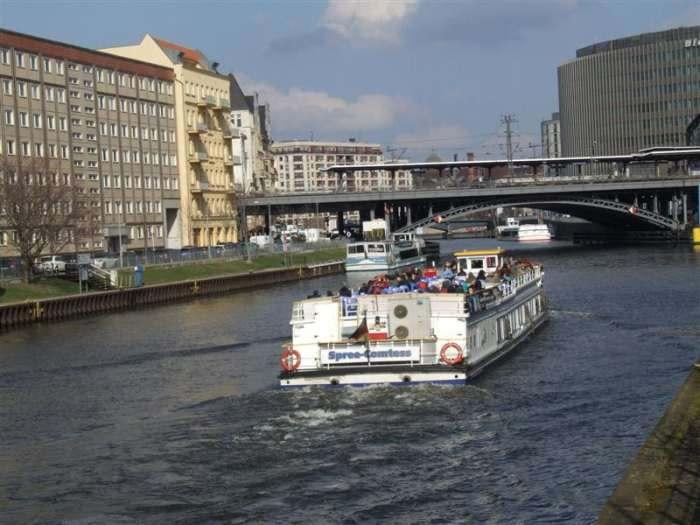 Прогулка на корабле по реке Шпрее