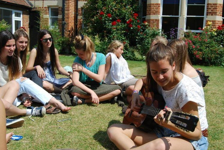 Досуг студентов в St. Clare's School, Summer Teenagers, Oxford