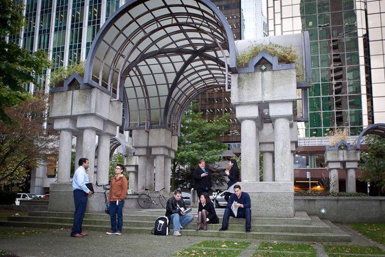 Парк возле кампуса Canada West