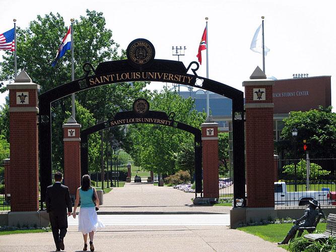 Портал Saint Louis University