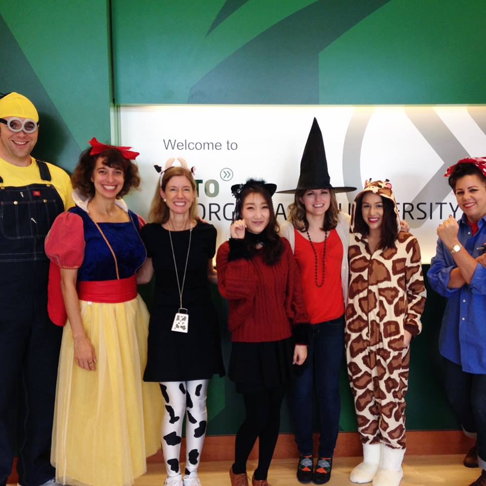 Хеллоуин в INTO George Mason University
