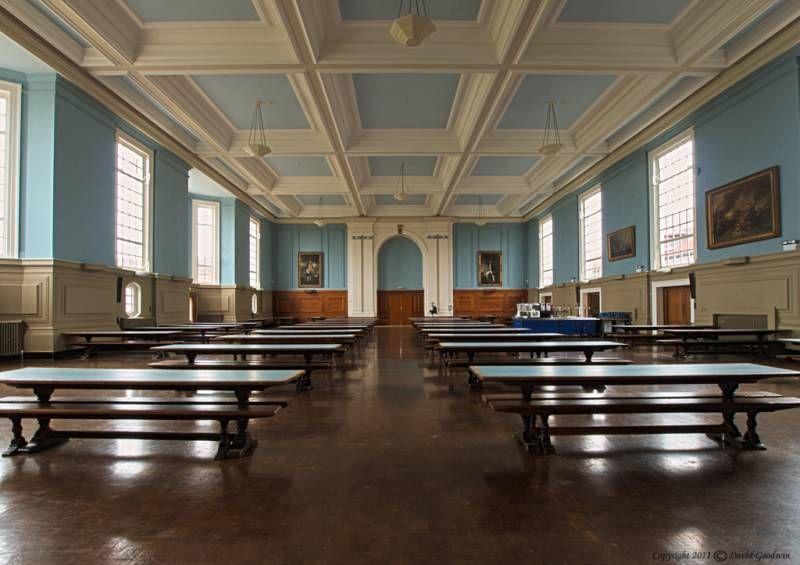 Столовая в Royal Hospital School