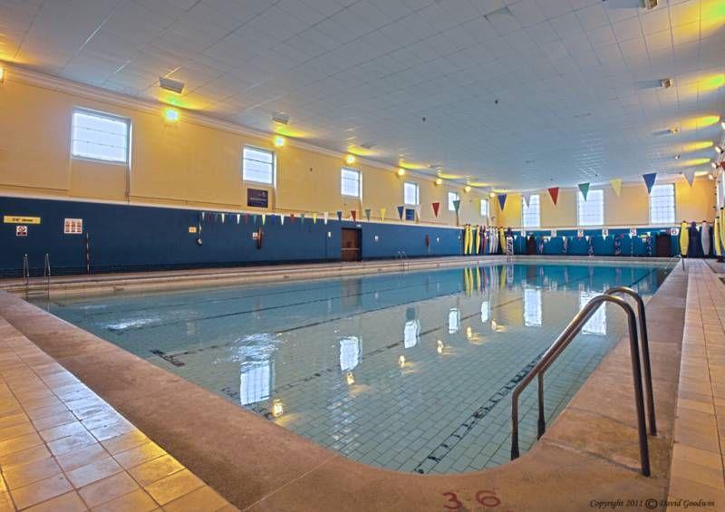 Подогреваемый бассейн в Royal Hospital School