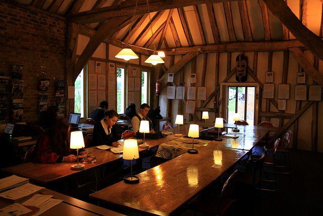 Комната для самостоятельного обучения в Buckswood School