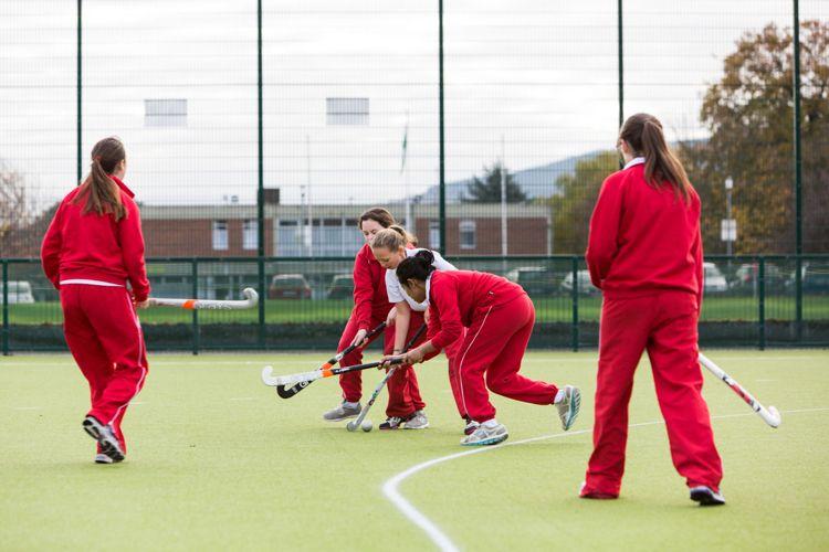 Спортивная площадка в Alexandra College