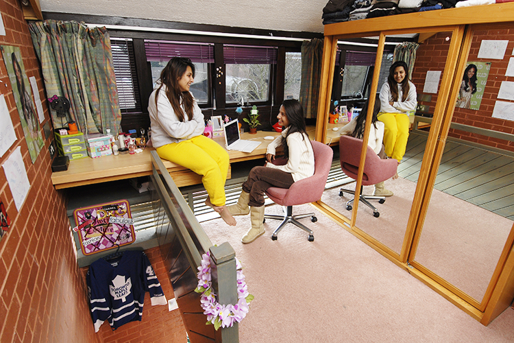Комната для девочек Cobham International School