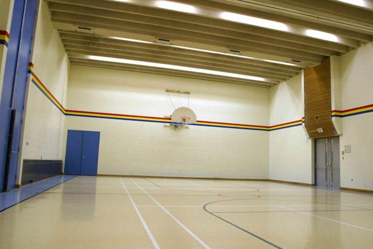 Спортивный зал Bronte College
