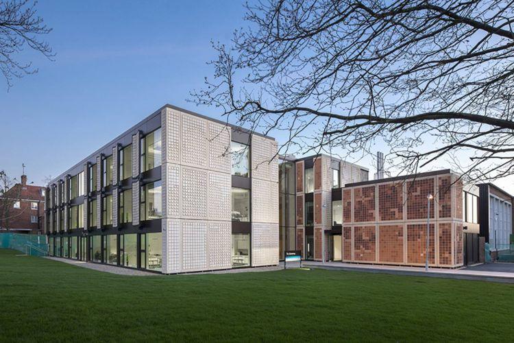 Вид сбоку на Dulwich College