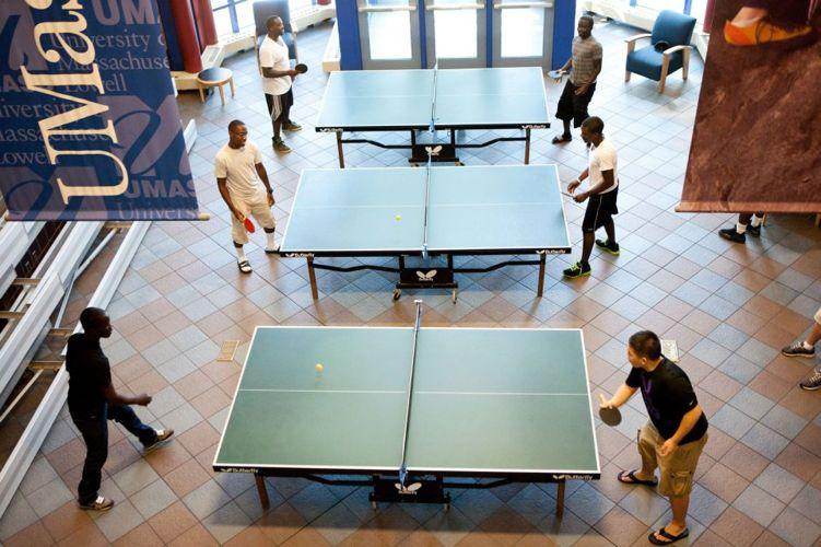 комната для игры в настольный теннис при University of Massachusetts Lowell