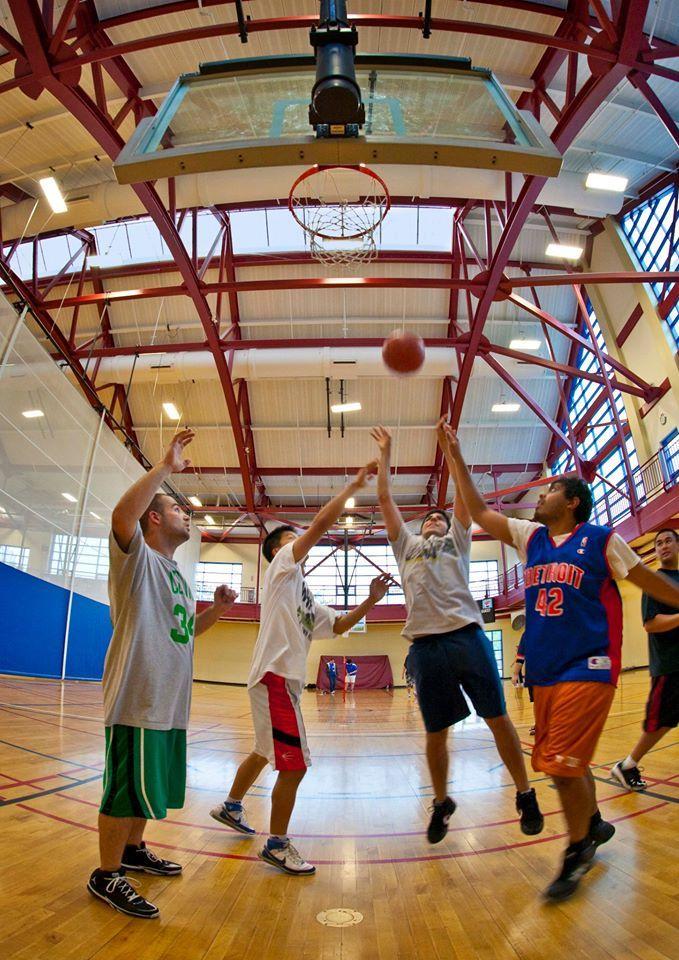 Баскетбол University of Massachusetts Lowell