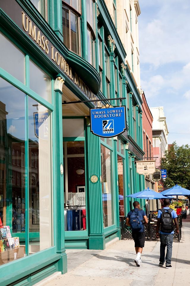 Книжный магазин при University of Massachusetts Lowell