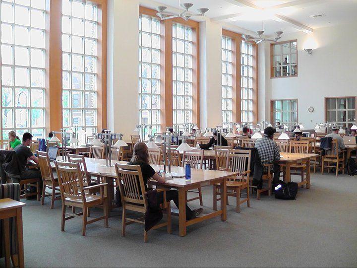 Комната самостоятельного обучения в University of New Hampshire