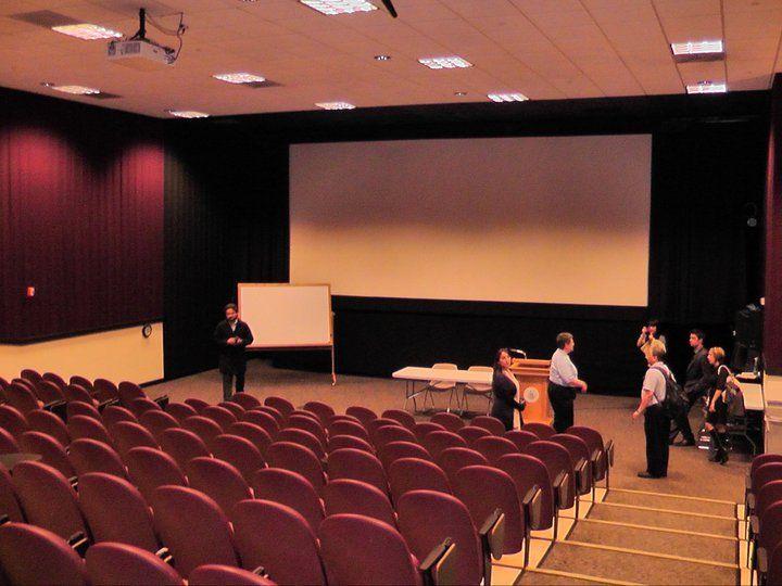 Зал для семинаров и лекций при University of New Hampshire