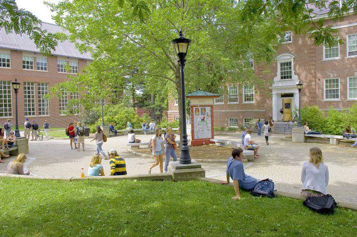Территория при University of New Hampshire