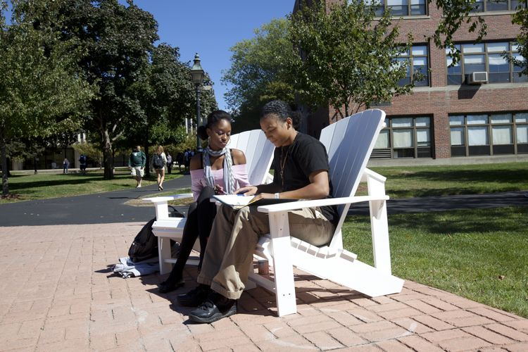 Студенты на отдыхе в Merrimack College
