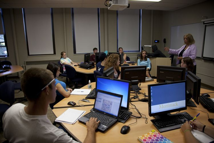Обучение в Merrimack College