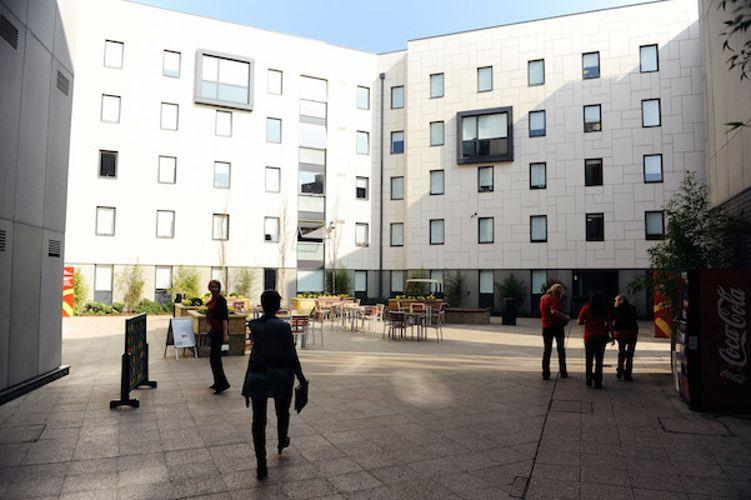 Внутренний двор University of East Anglia