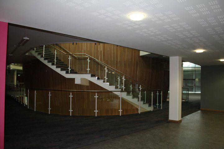 Лестница University of Exeter