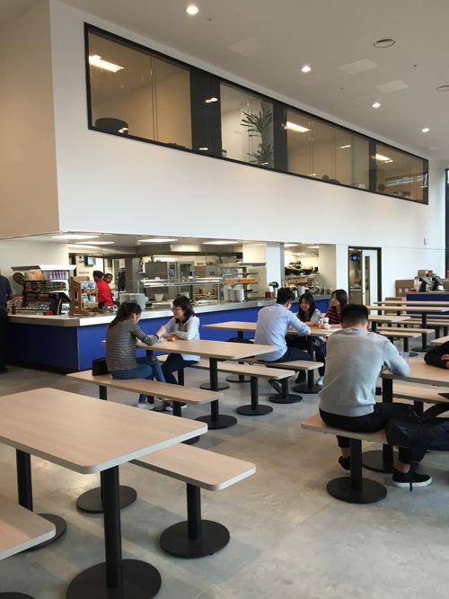 Кафетерий в Abbey DLD college, London