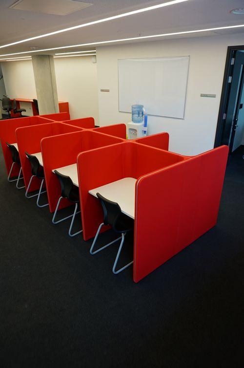 Экзаменационная комната в Abbey DLD college, London
