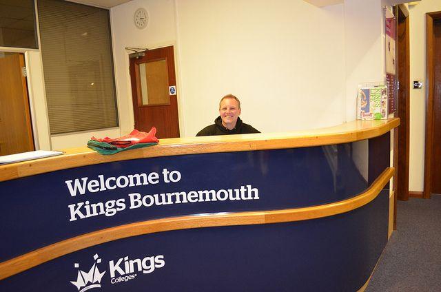Рецепция Kings Colleges, Bournemouth