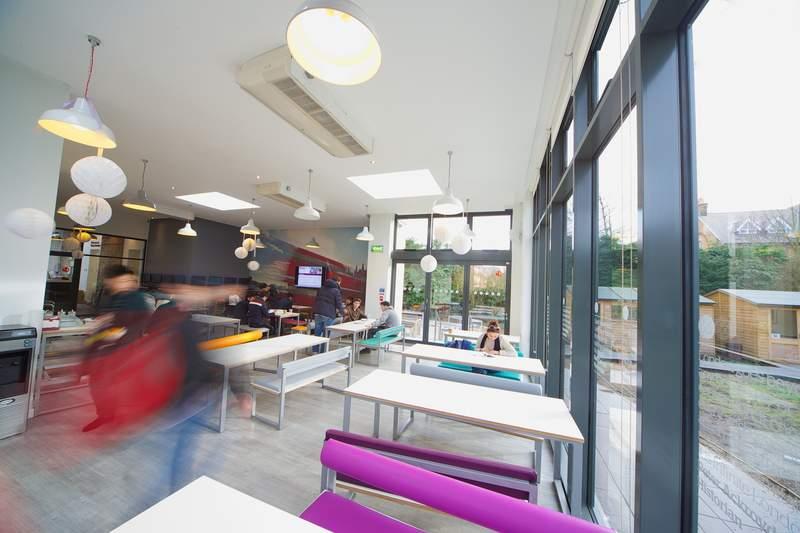 Кафетерий в Kings Colleges, London