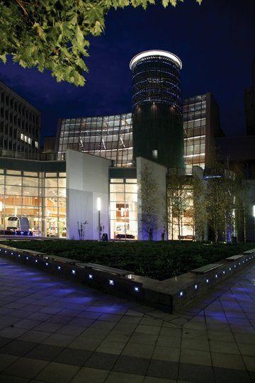 Glasgow Caledonian University ночью
