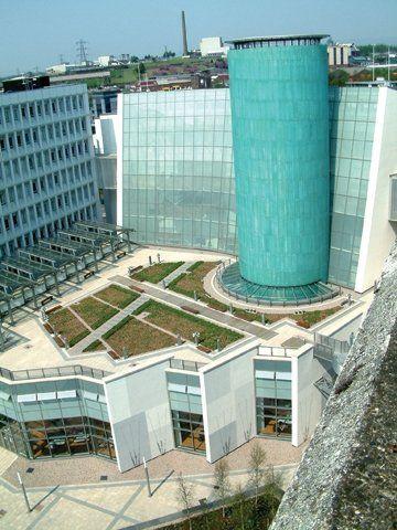 Вид сверху на Glasgow Caledonian University