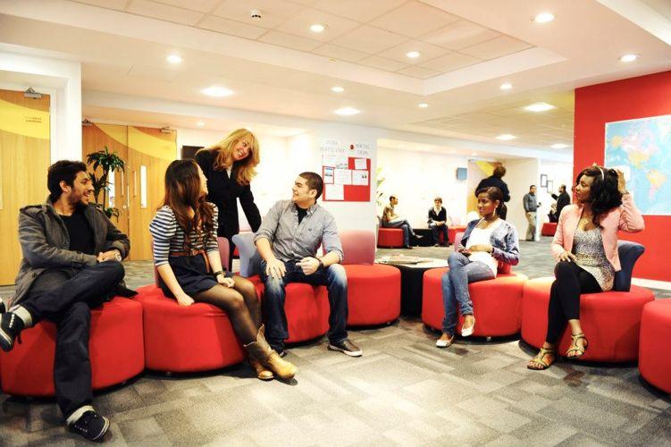 Студенты Glasgow Caledonian University