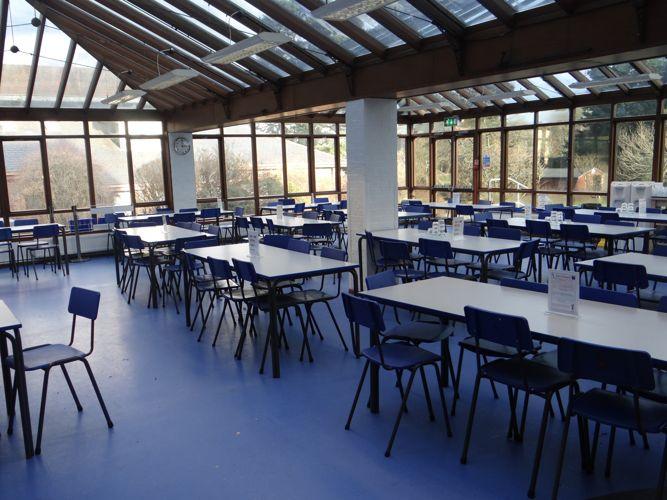 Кафетерий в Bede's Summer School, Handcross