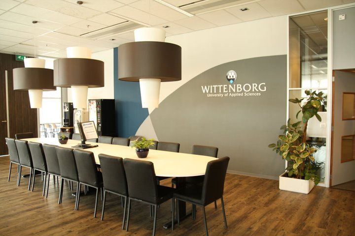 Комната переговоров Wittenborg University